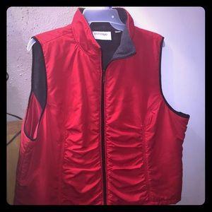 26/28 Red Vest